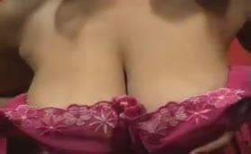 sexy MILF Teases And Pulls A Show