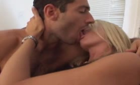 MILF Emma sexed by man