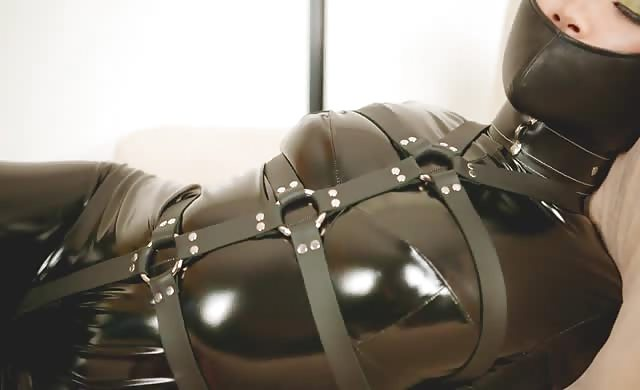Asian beauty hogtied