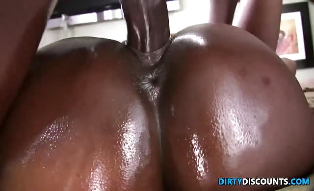 Oiled Bigbooty black Twerks While Doggystyled