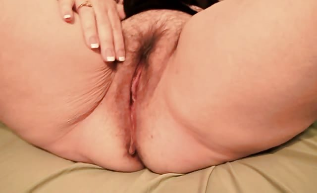 girlfriend Spreads And Fingers snatch