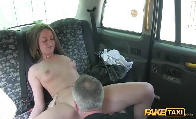 Scarlett Humps With Taxi Driver