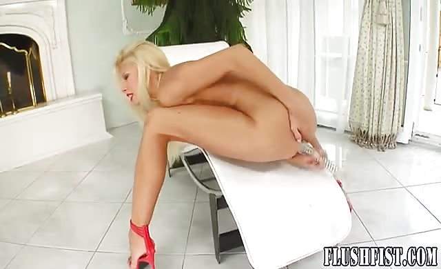 Self Fisting Play For Dildo liking blondy