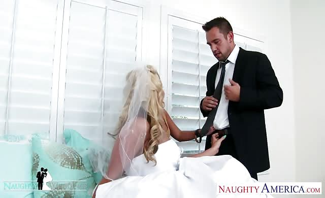 charming Babes Jada Stevens And Phoenix Marie Share cock At Wedding