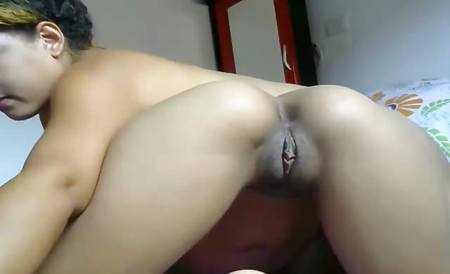 latina Lesbian Licking Her booty And Toes