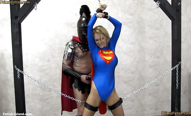 Lt7 Supergirl Falls To The God Of War