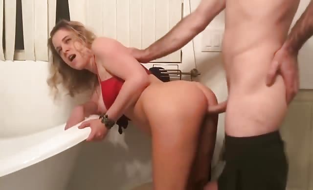 yellow-haired Milf slammed In The Bathroom