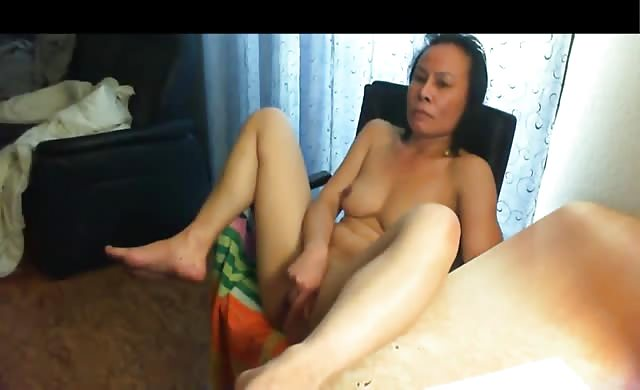 chinese Milf Licked climax Watching Her Porn