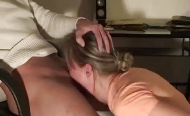 Kinky Girlfriend Loves Deepthroat Sucking