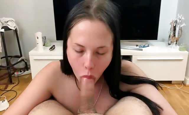 Beautiful Chubby Girl Gives Amazing Cum Swallow Head