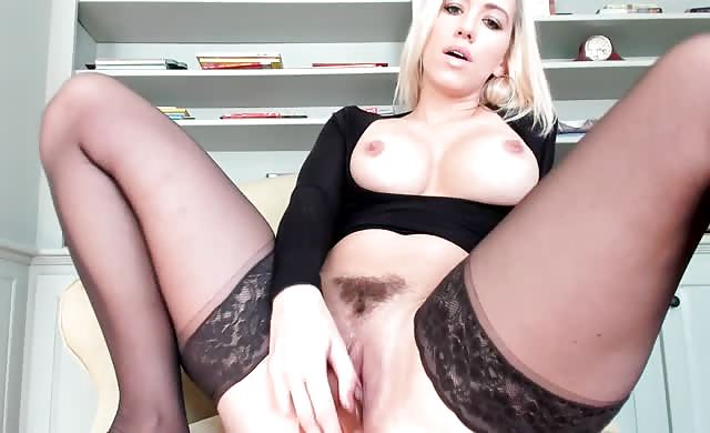 Blonde With Big Ass Squirting