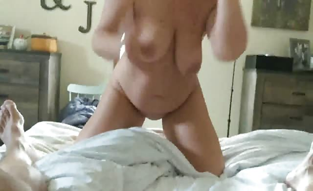 Big Titty Milf Gives A Nice Bj With Cum On Her Tits